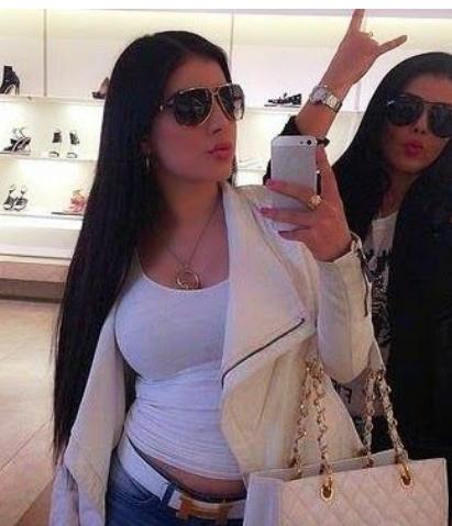 Explosif ! Le sosie de Kim Kardashian est une des femmes les plus dangereuses au monde